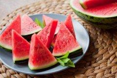 怎么制作西瓜汁 西瓜汁的材料和做法步骤